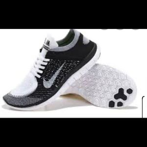 Women's Nike free Fly Knits size 6